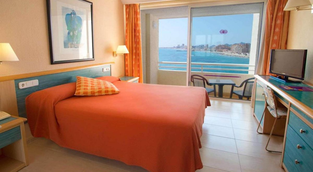 habitacion con magnificas vistas al mar la manga
